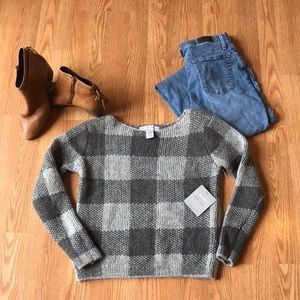 New York laundry essentials checked sweater